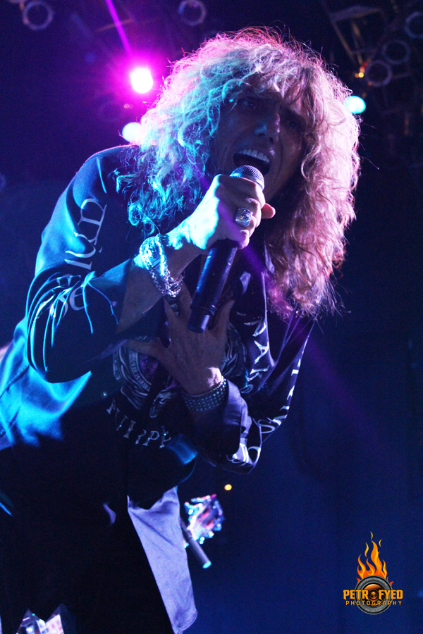 knac com reviews whitesnake live in houston tx with photos. Black Bedroom Furniture Sets. Home Design Ideas